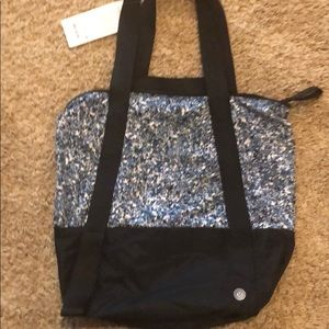 Lululemon Hot Moves Tote SEAWHEEZE. NEW w/tag